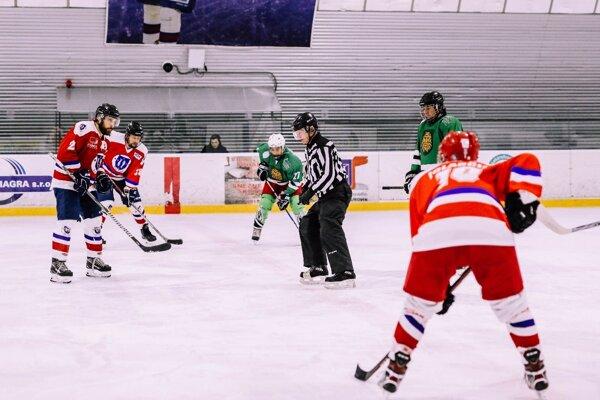 Na Altise sa obnovila hokejová sezóna.