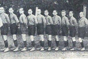 Futbalisti košického klubu Törekvés začiatkom 20. rokov 20. storočia.
