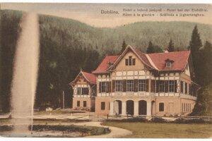 Hotel pod jaskyňou v údolí rieky Hnilec postavený v roku 1888 na pohľadnici z roku 1922.