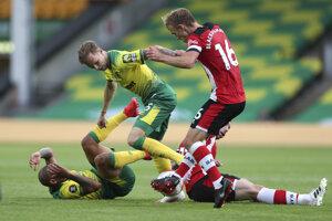 Ondrej Duda (druhý zľava) v drese Norwich City.