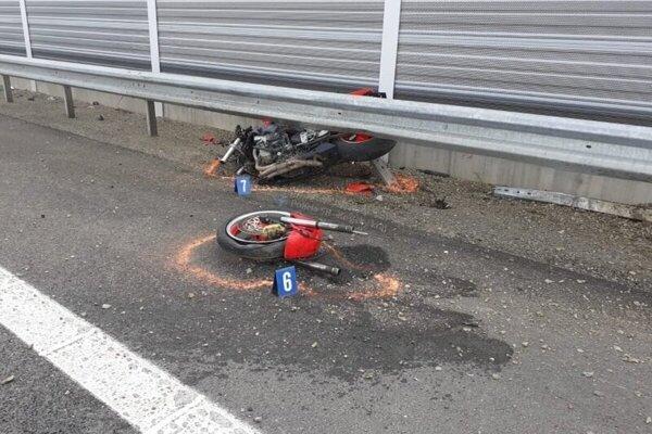 Smrteľná nehoda pri Budimíre.