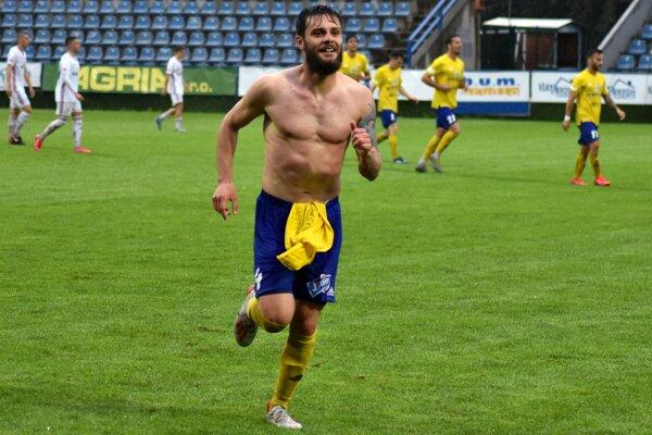 Radosť Dimitriosa Konstantinidisa po góle do siete Ružomberka, ktorý bol jeho prvý v našej lige.