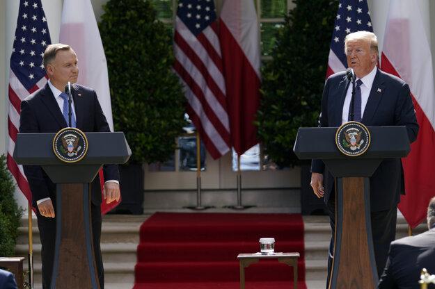 Americký prezident Donald Trump (vpravo) a poľský prezident Andrzej Duda.