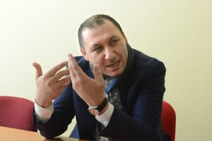 Dva dni po prepustení z polície začiatkom marca 2018 sa Antonino Vadala pre denník Korzár prvýkrát verejne vyjadril k dianiu okolo svojej osoby.
