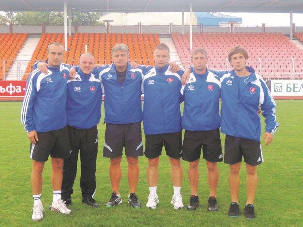 Zľava Roman Volna, Ivan Ociepka, Ivan Janiga, Andrej Romančík, Martin Ižip aĽuboš Thomka.