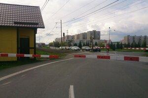Križovatka so železničným priecestím v Spišskej Novej Vsi.