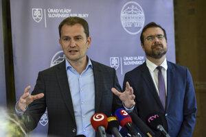 Predseda vlády SR Igor Matovič (OĽaNO) a minister zdravotníctva SR Marek Krajčí (OĽaNO).