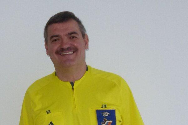 Hádzanársky rozhodca Michal Kica.