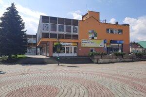 Aktuálny stav budovy v centre mesta.