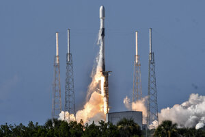 Raketa SpaceX s prvou juhokórejskou vojenskou družicou.