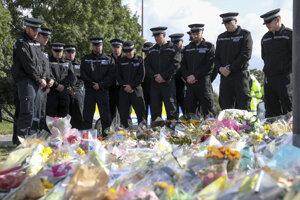 Pietna spomienka členov polície v Sulhamsteade na policajta Andrewa Harpera.