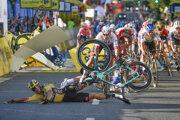Hromadný pád v cieli 1. etapy pretekov Okolo Poľska.
