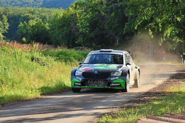 Martin Koči na pretekoch v Maďarsku s novým autom.