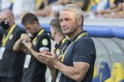 Na snímke tréner DAC Bernd Storck.