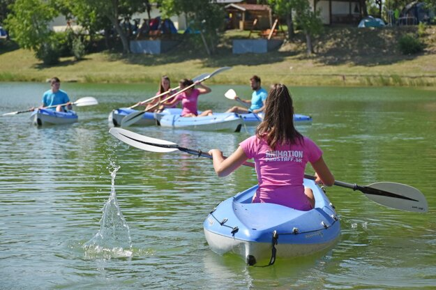 Splav Malého Dunaja patrí k neopakovateľným zážitkom trávenia voľného času.