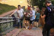 Zranený demonštrant v Minsku
