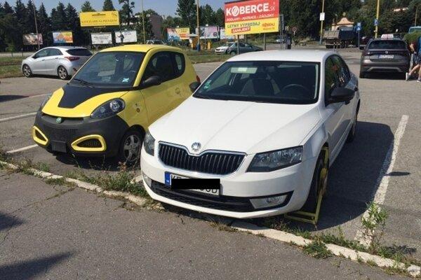 Mesto tvrdí, že bez povšimnutia MsP neobišiel ani malý žltý elektromobil, napriek tomu, že papuču na koleso tu nedostal.