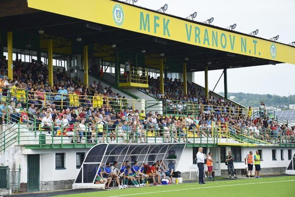 Atraktívne derby s Humenným by zrejme opäť utešene zaplnilo vranovský štadión. Súčasná situácia však všetko mení.