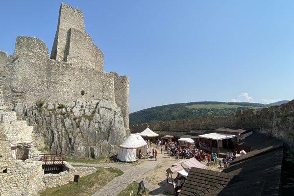 Beckovský hrad.