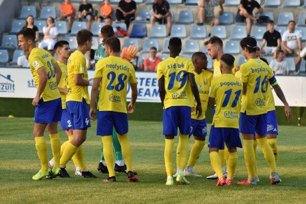 Michalovskí futbalisti sa trápia. V novej sezóne ešte nedali gól ani nebodovali.