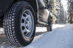 Ak aktívne jazdíte počas celej zimy, nenechajte si celoročné pneumatiky. Označenie M+S veľa neznamená.
