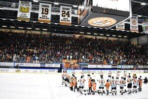 Michalovský zimný štadión pravdepodobne tak skoro vypredaný nebude.