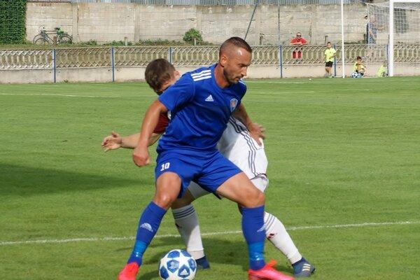 Adrián Candrák v zápase s Podbrezovou.
