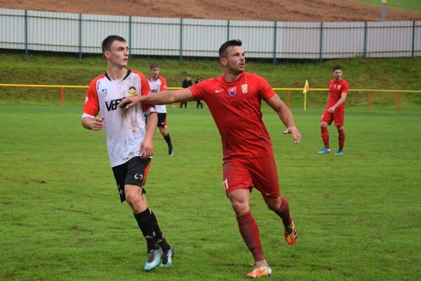 Momentka z pohárového zápasu medzi Višňovým a Liptovským Mikulášom.