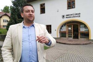Starosta Marek Virágh o starých vodomeroch vie, v septembri by mali začať s ich výmenou.