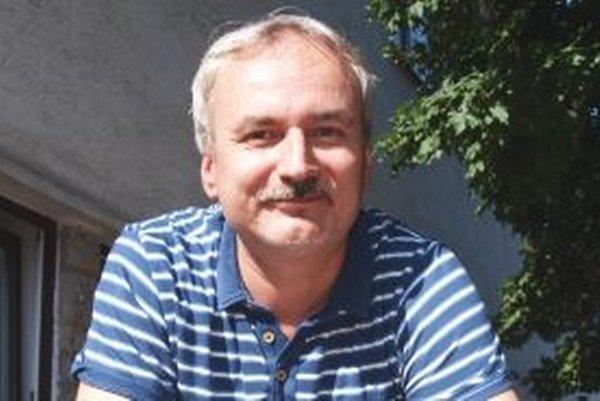 Noro Ölvecký vydal svoju druhú knihu Nečakaná diagnóza.