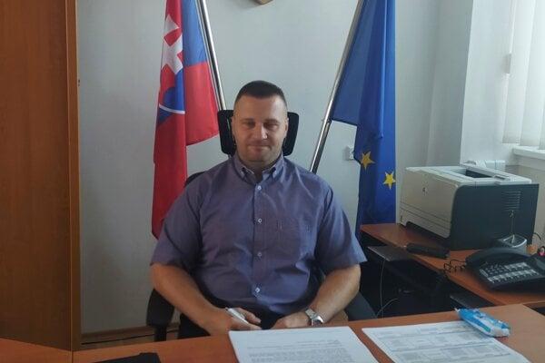 Ladislav Hamran nahradil v úrade Bertalana Bónu.