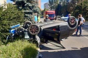 Nehoda na Vojenskej ulici.