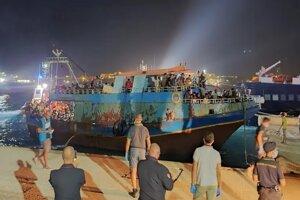 Migranti priplávali na Lampedusu.