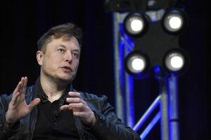 Elon Musk po prvýkrát ukázal fungovanie prototypu zariadenia, ktoré prepája počítač a mozog.