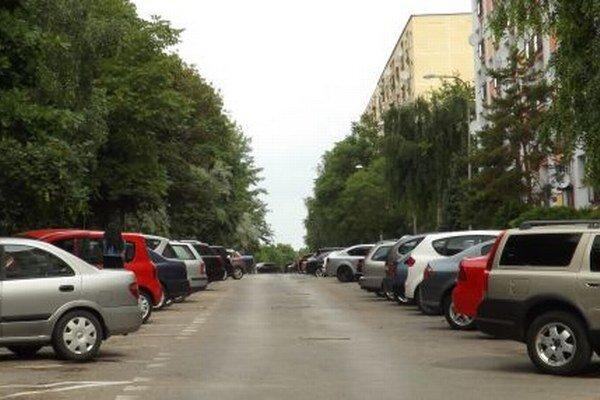 Najväčšie problémy s parkovaním sú na Klokočine.