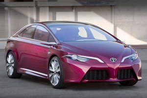 Nový Prius môže v budúcnosti prebrať dizajnové prvky konceptu NS4 Plug-In Hybrid.