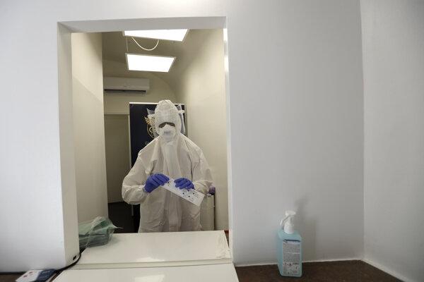 Testovacie miesto na koronavírus v Prahe.