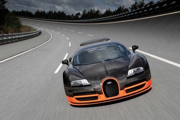 """Bugatti Veyron už vyrába jeden """"Super"""" od konca roka 2011 s výkonom 1 200 k."""