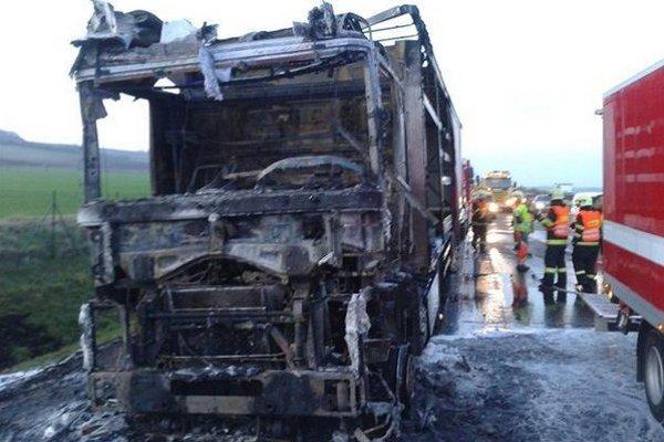 Kamión na českej diaľnici D2.
