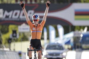 Anna van der Breggenová vyhrala hromadné preteky na MS v cyklistike 2020.