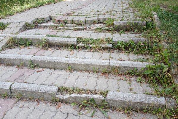Problematické schodisko na Smetanovej ulici v Prešove.