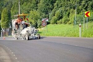 Oprava cesty z Turzovky na Semeteš.