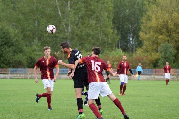 Zo zápasu Komjatice - Podlužany 3:0