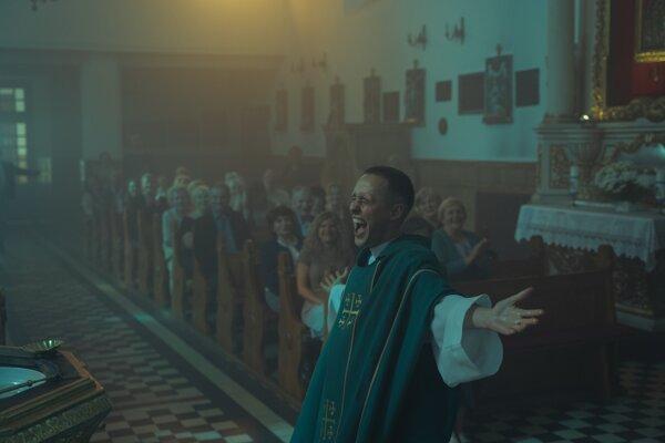Poľský film Corpus Christi mal uzavrieť Febiofest, uzavrie aspoň jednodňový filmový maratón.