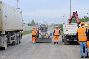 Oprava cesty medzi Haniskou a Čaňou bude kraj stáť vyše 212 000 eur.