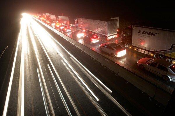 Obmedzenie rýchlosti na diaľniciach Nemci nechcú pripustiť ani ako tému na debatu.