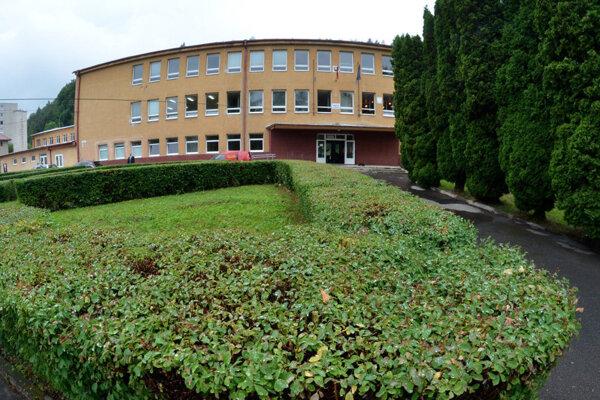 Gymnázium Krompachy je jednou zo zatvorených stredných škol v kraji.