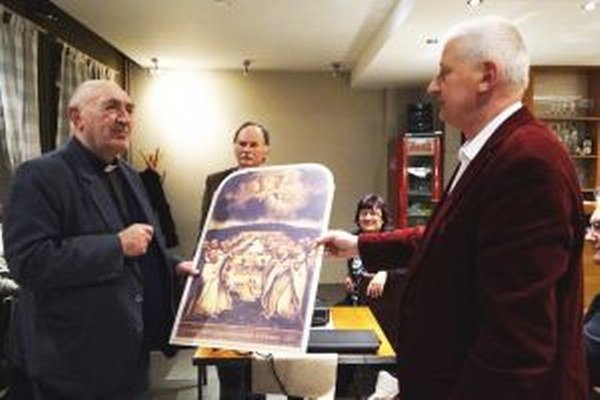 Ladislavovi Belásovi Zoborský skrášľovací spolok, ktorého je čestným predsedom, pri príležitosti jubilea venoval reprodukciu oltárneho obrazu z kostola sv. Jozefa.