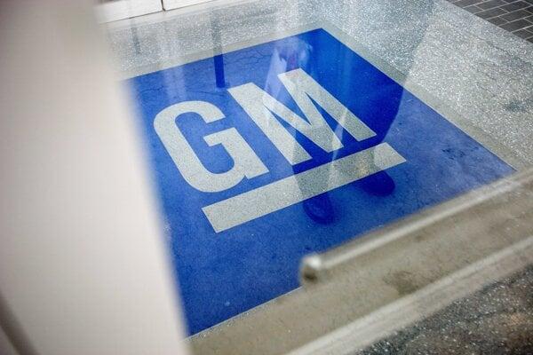 Logo americkej automobilky General Motors v americkom meste Roswell.