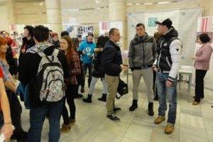 UKF lákala stredoškolákov aj na študijné programy, ktoré medzi mladými nepatria k najobľúbenejším.